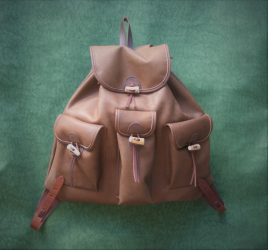 Nagy szarvasbőr hátizsák agancs gombokkal (exkluzív kivitel)